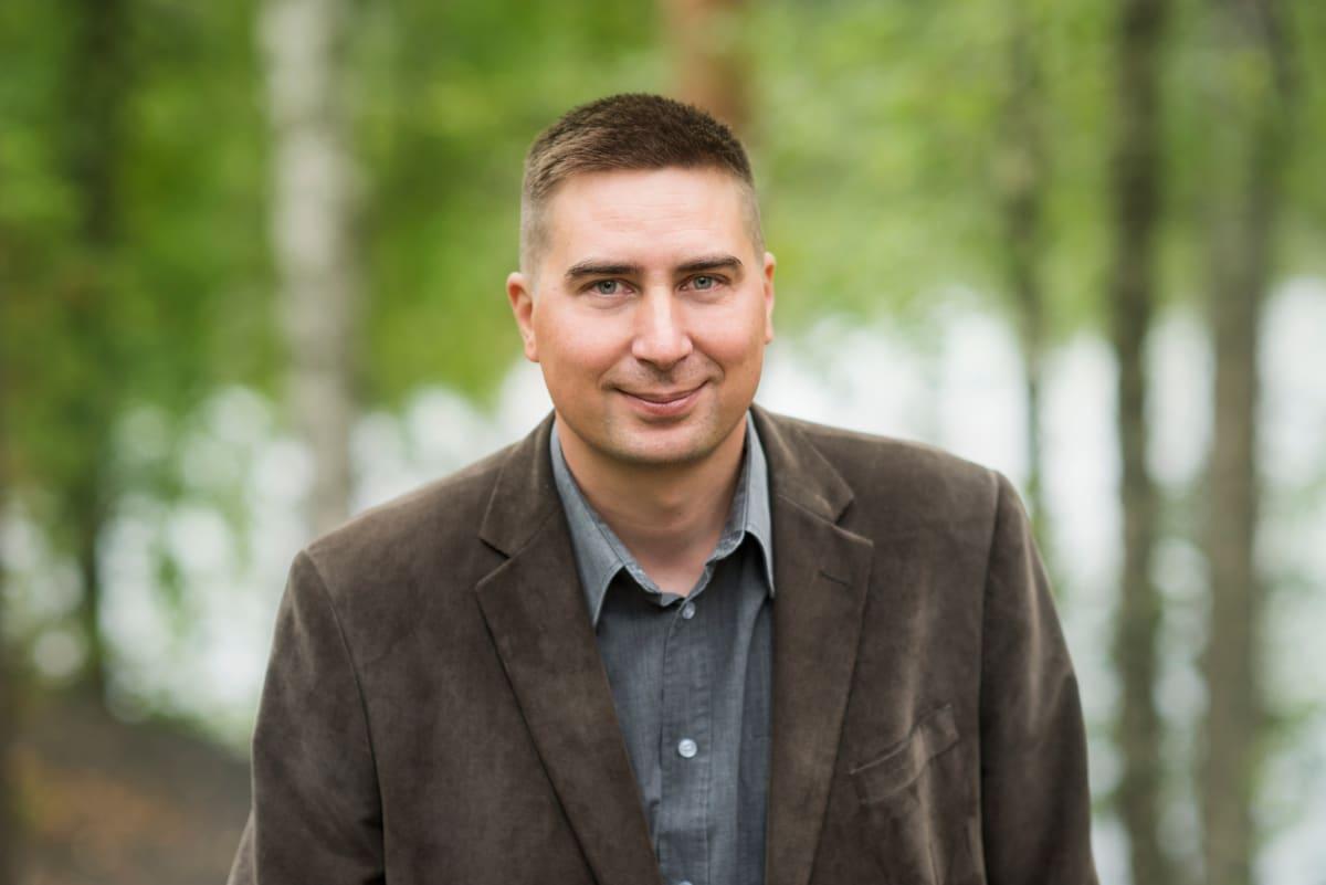 Metsästäjäliiton järjestöpäällikkö Teemu Simenius.