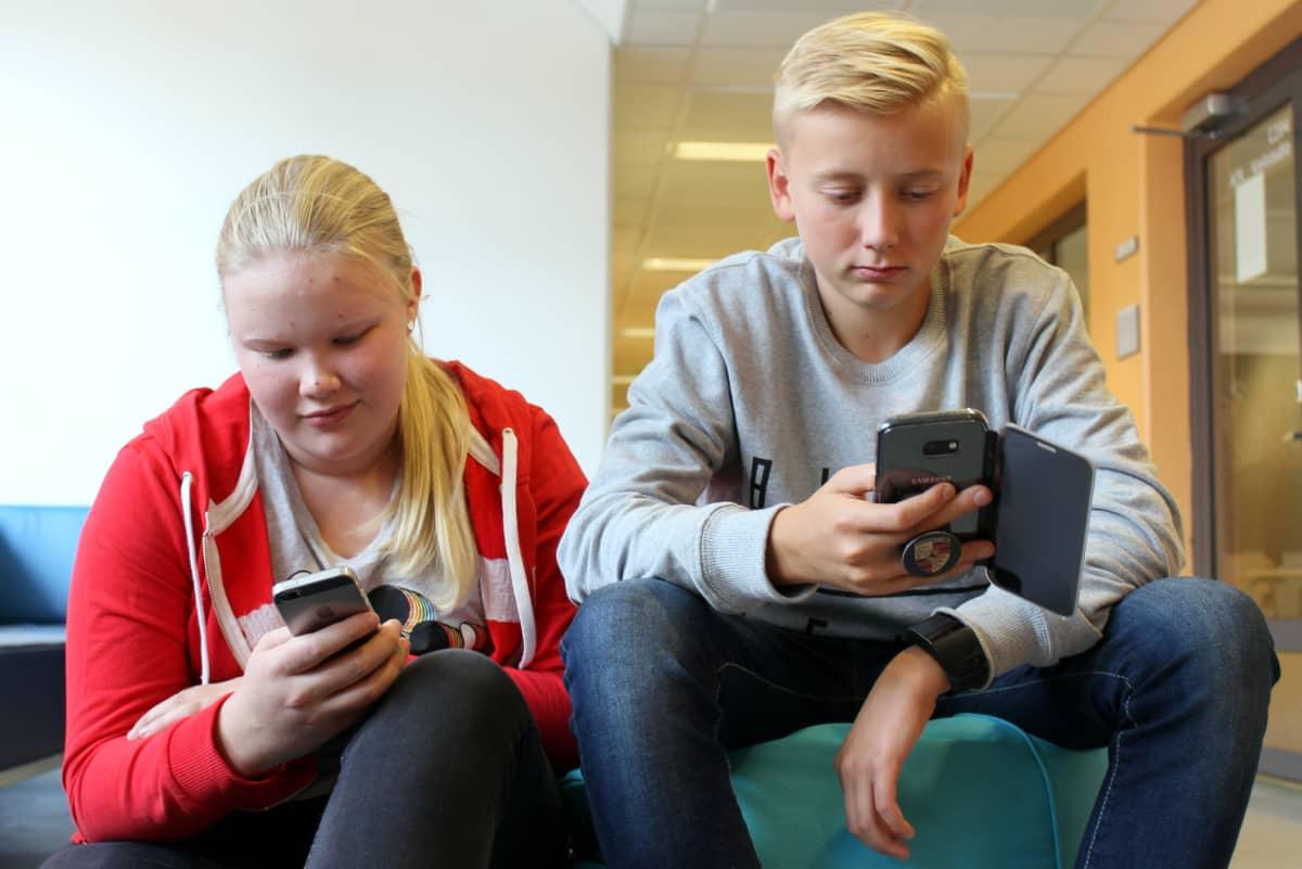 Iiris Rautiainen ja Veikko Korpikallio.