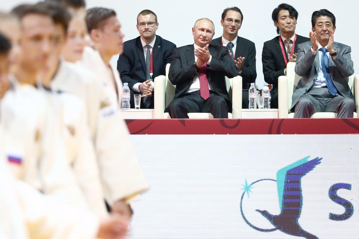 Vladimir Putin on tunnettu kamppailulajien ystävä.