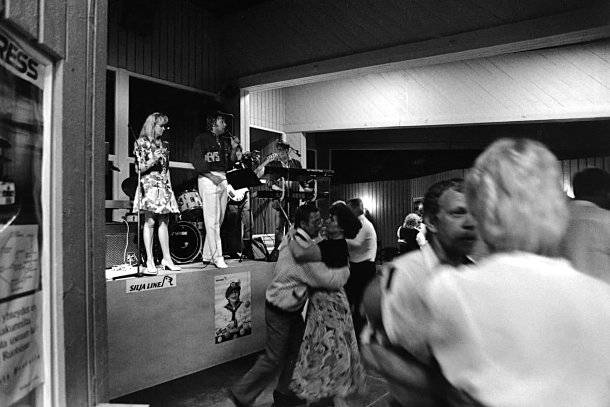 Danny ja Armi keikalla Ellivuoren tanssilavalla 1990