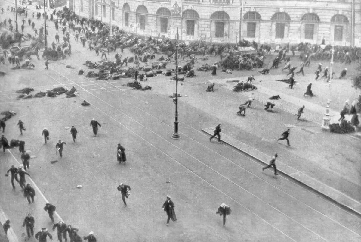 Katutaistelu Pietarissa 17. heinäkuuta 1917.