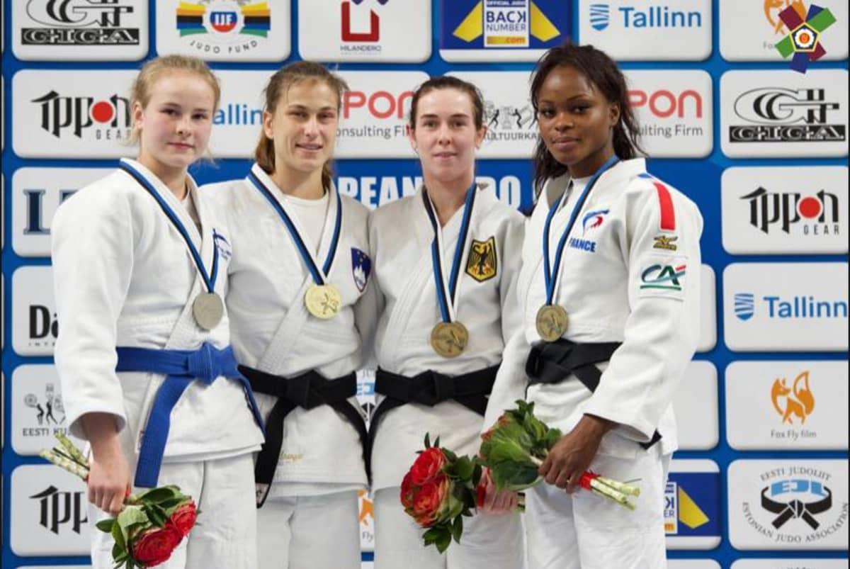 Pihla Saloselle (sininen vyö) yllätyshopeaa naisten Euroopan cupissa Tallinnassa 2019