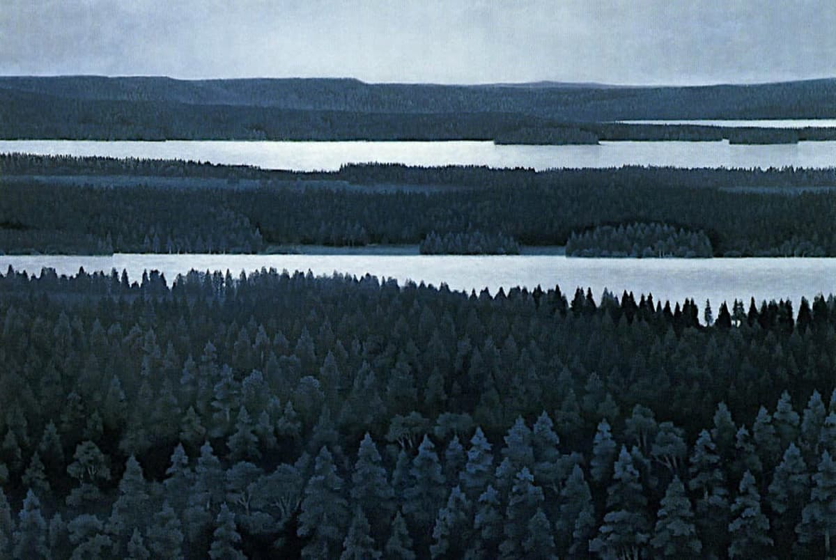 Valokyva teoksesta, johon on maalattu metsää ja järveä yöttömän yön valossa.