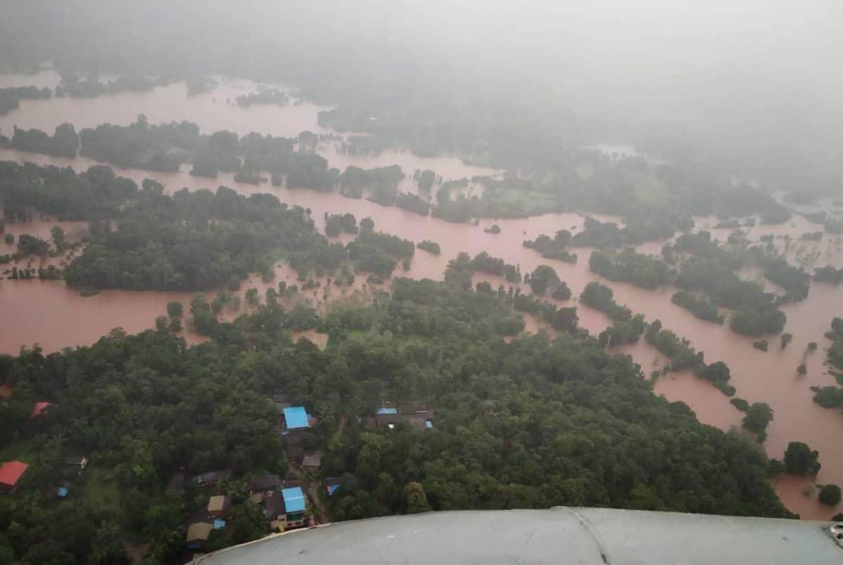 Tulvaveden peittämä maisema ilmakuvassa.
