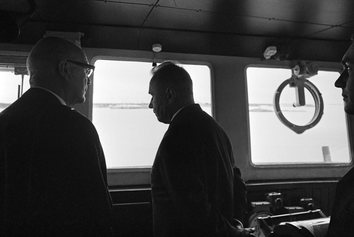 presidentit laivan komentosillalla