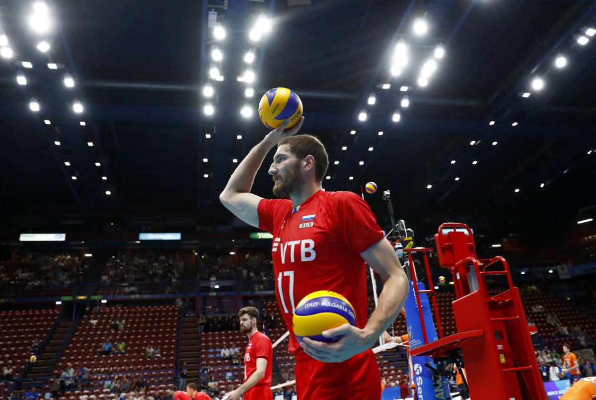 Hakkuri Maksim Mihailov kuuluu Venäjän lentopallomaajoukkueen avainpelaajiin.