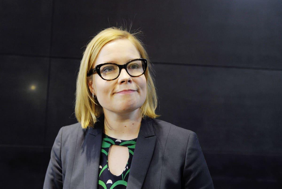Kevan hallituksen puheenjohtaja Laura Räty Kevan pääkonttorilla Helsingissä 8. toukokuuta 2014.