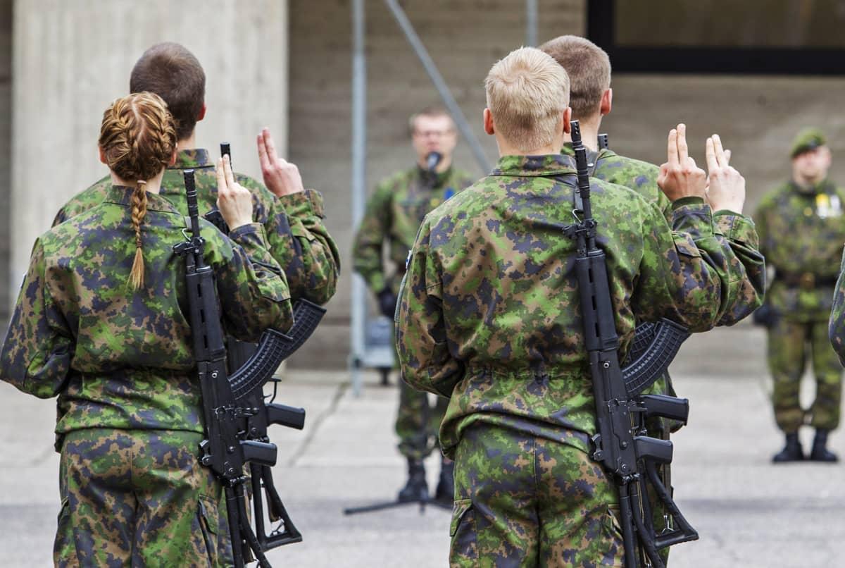 Varusmiesten valatilaisuus Kainuun prikaatissa.