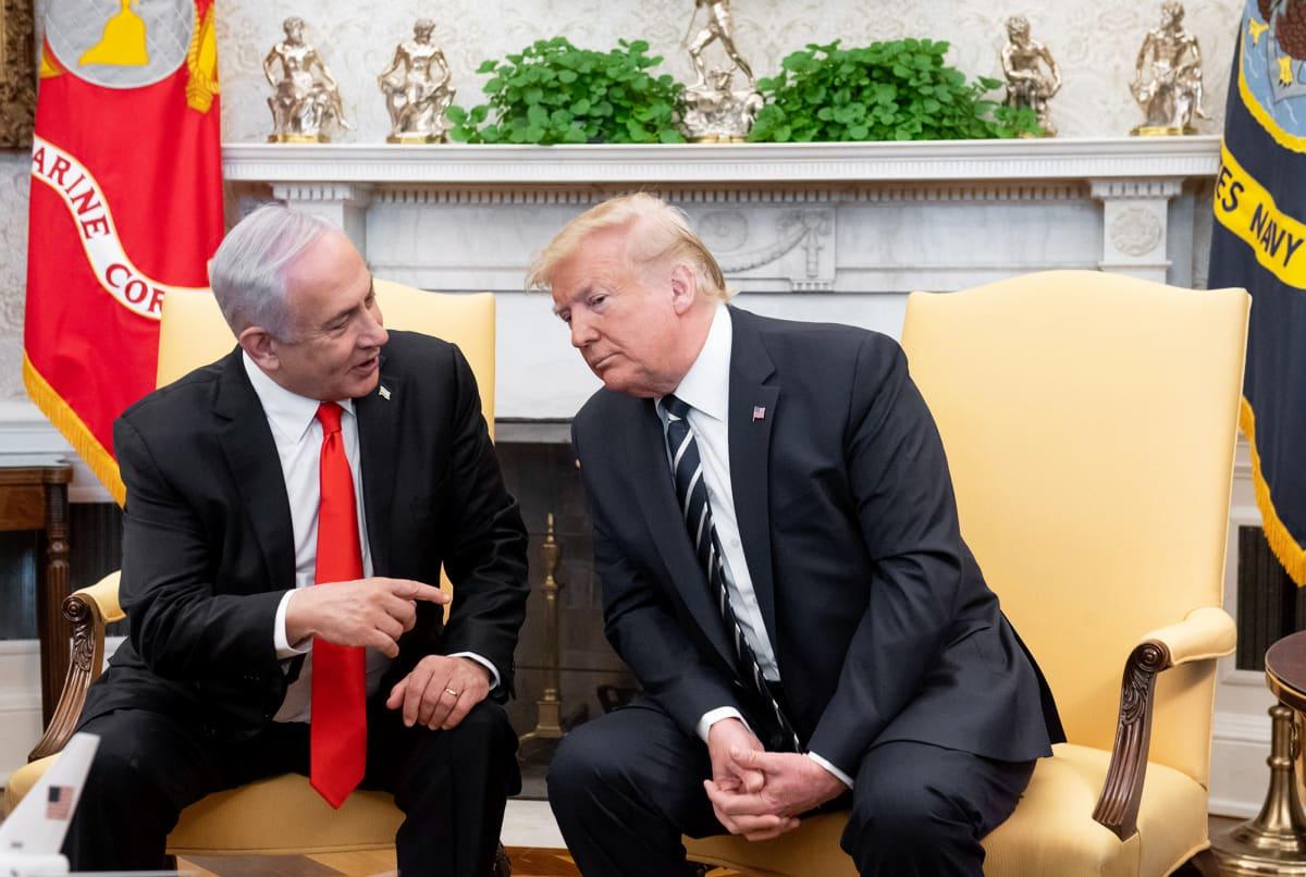 Benjamin Netanjahu ja Donald Trump tapaavat Washingtonissa.