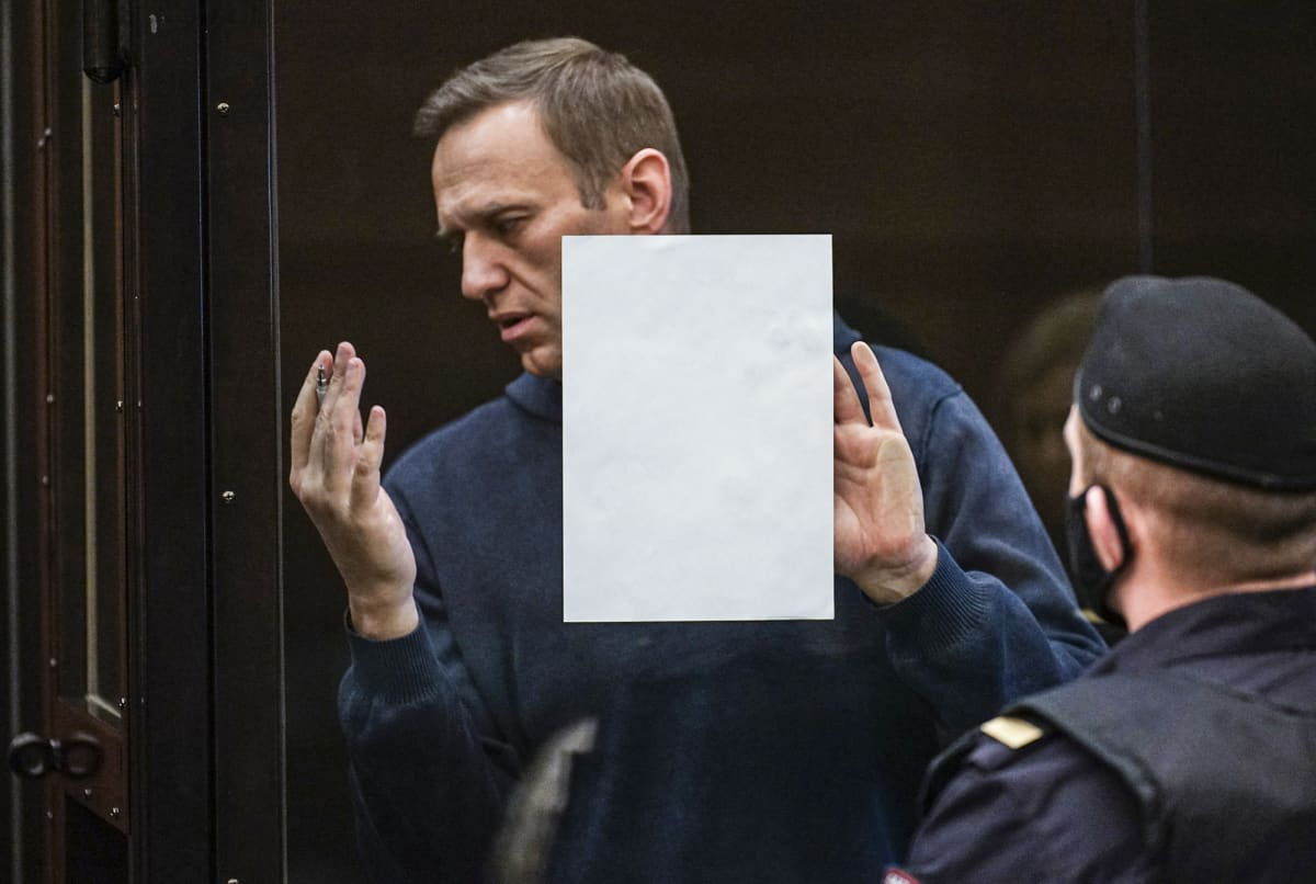 Aleksei Navalnyi oikeudessa.
