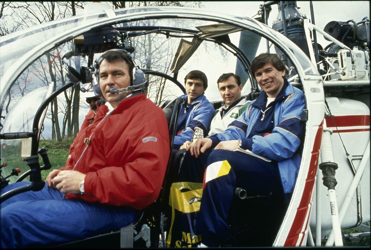 Andrei Homutov (takapenkillä vasemmalla) ja Vjatsheslav Bykov (oik.) muodostivat huiman tutkaparin Fribourgissa vuosina 1990–1998.