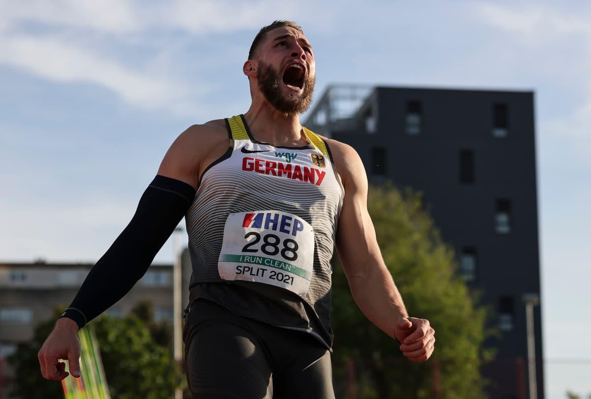 Johannes Vetter on heittänyt alkukesästä 90 metrin tuloksia liukuhihnalta. Kauden kärkitulos 96,29 on kaikkien aikojen kolmanneksi kovin tulos.