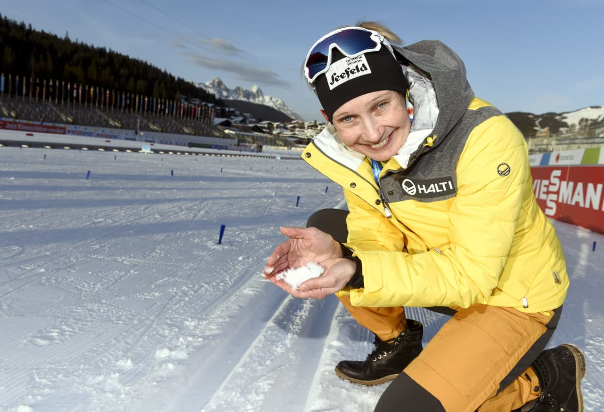 Annmari Viljanmaa kuvattuna Seefeldin hiihtostadionilla.