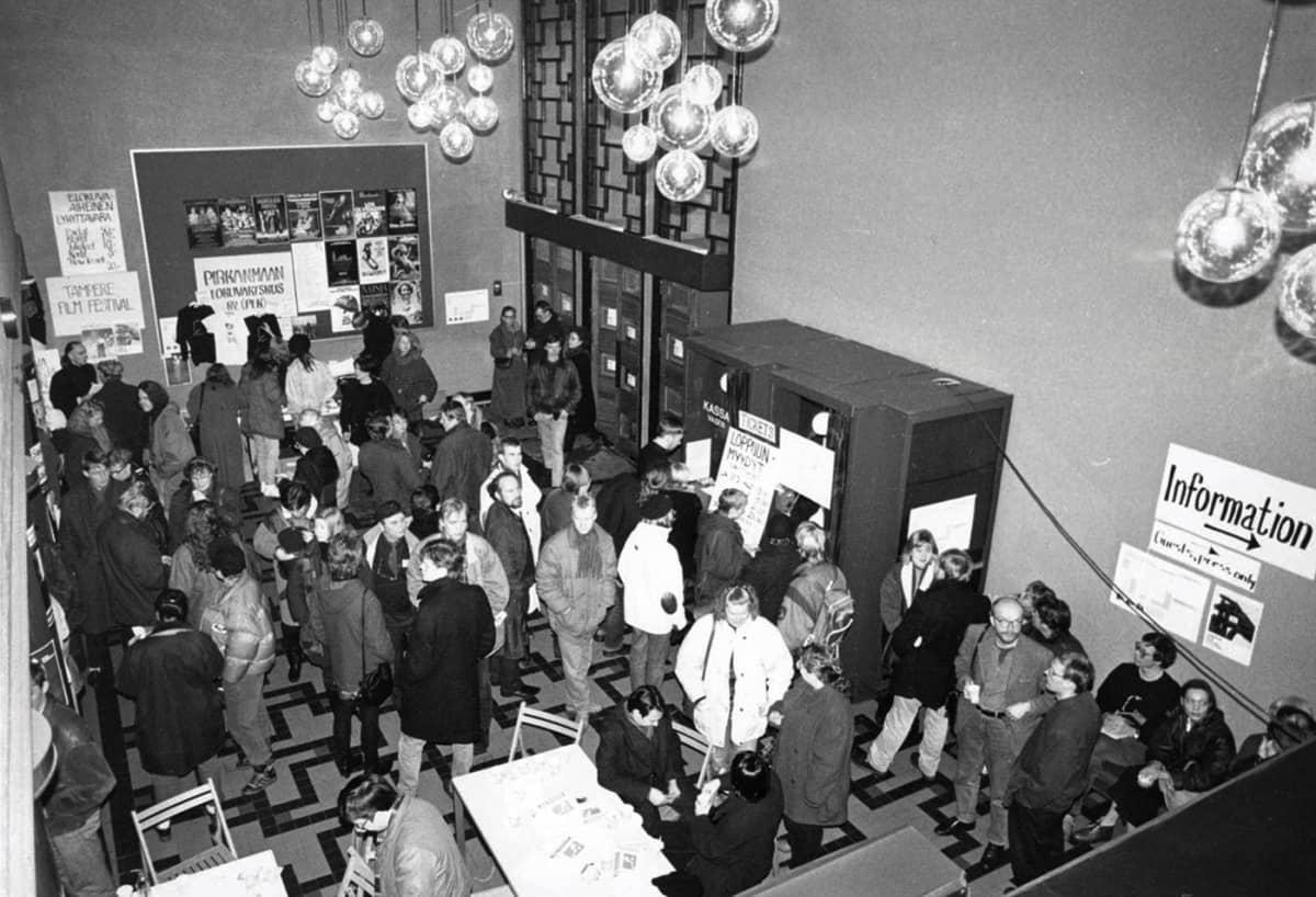 Kinopalatsin aula 1991 Tampereella
