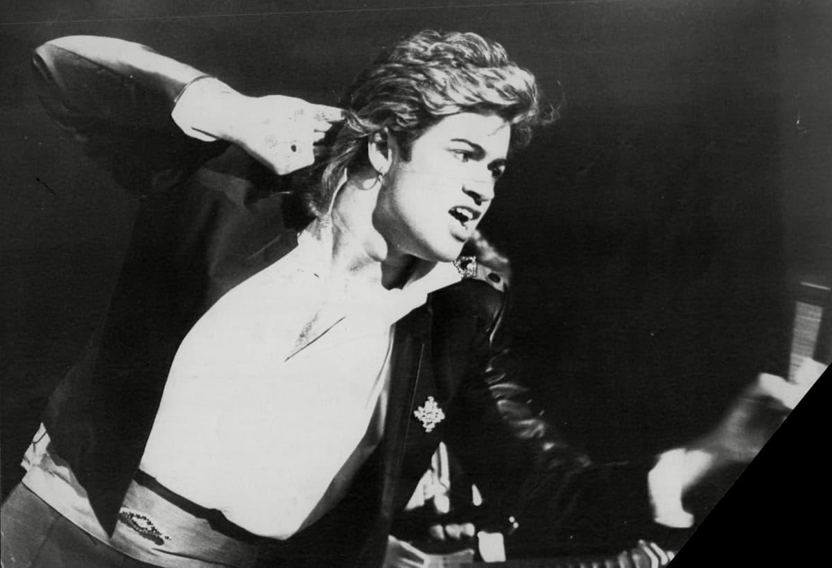 George Michael Whamin konsertissa joulukuussa 1984.