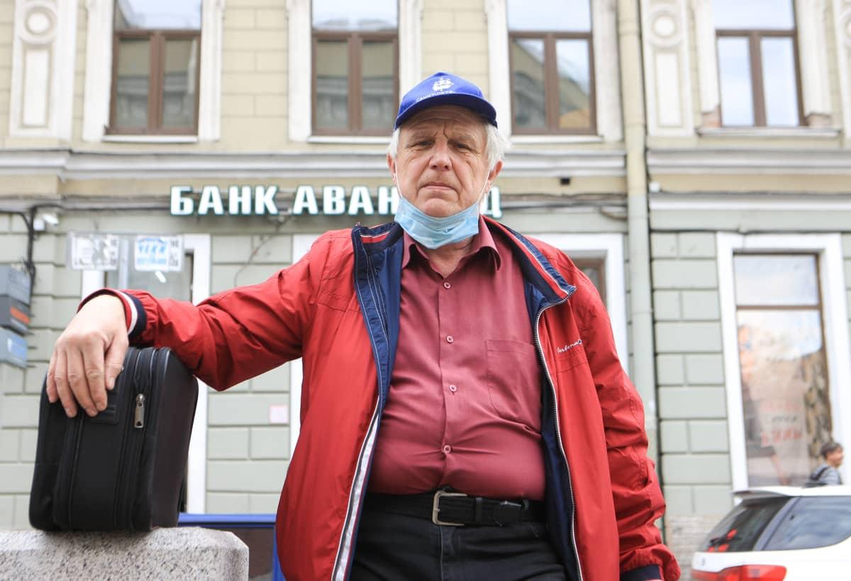 Pietarin koronatilanne on huononemassa vain kuukautta ennen EM-kisoja.