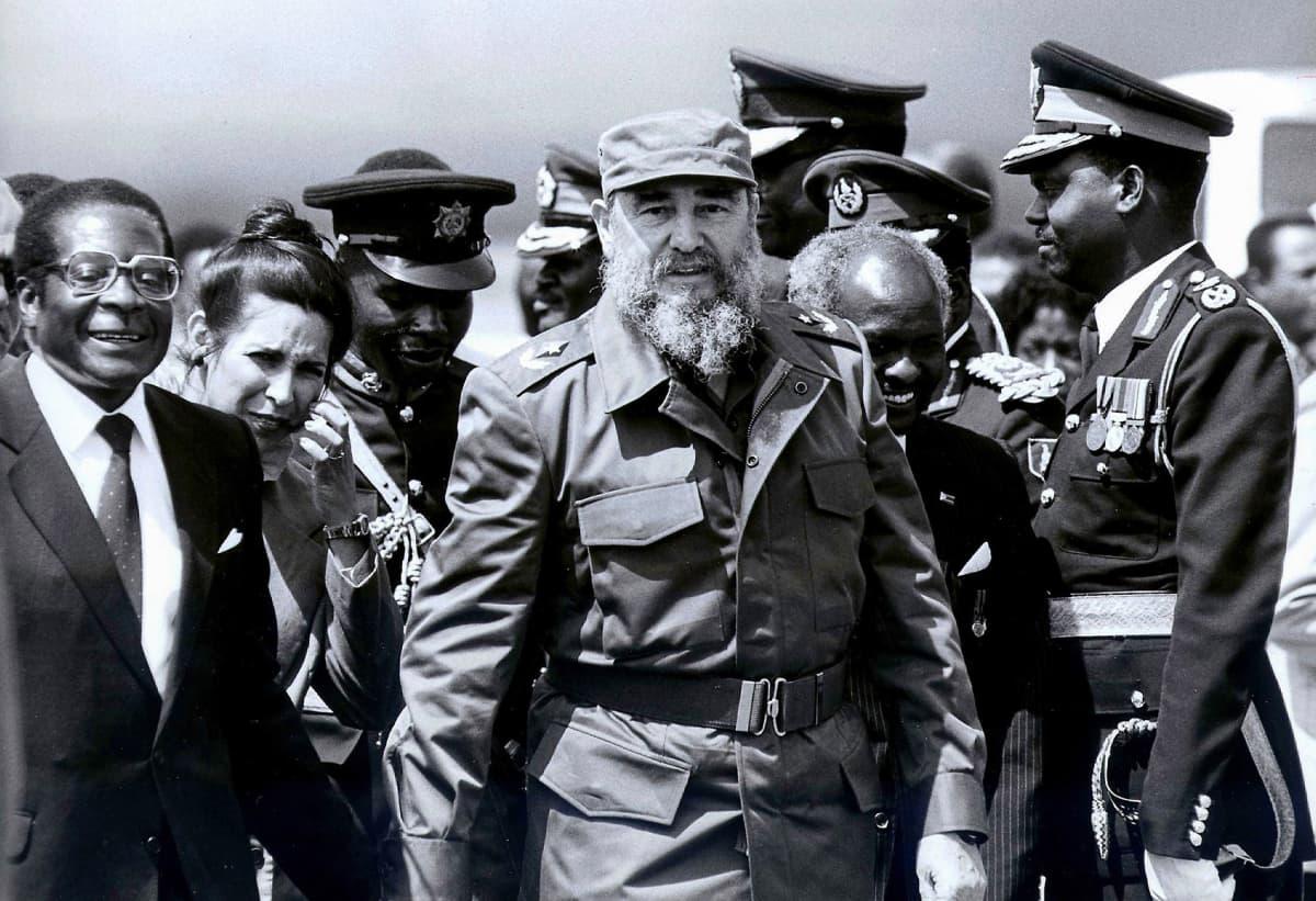 Fidel Castro and Robert Mugabe in Harare