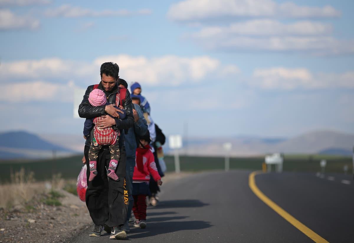Pakolaisia saapumassa Itä-Turkkiin.