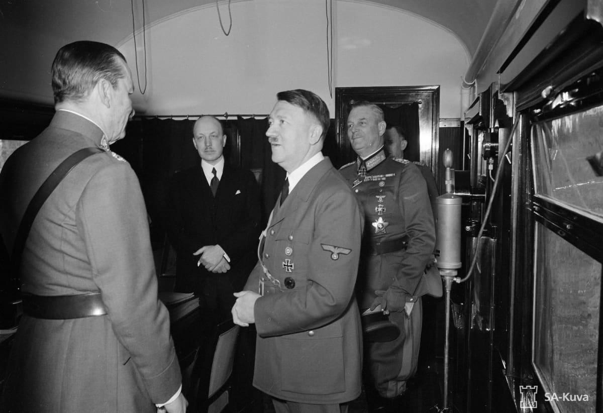 Adolf Hitler ja marsalkka Mannerheim