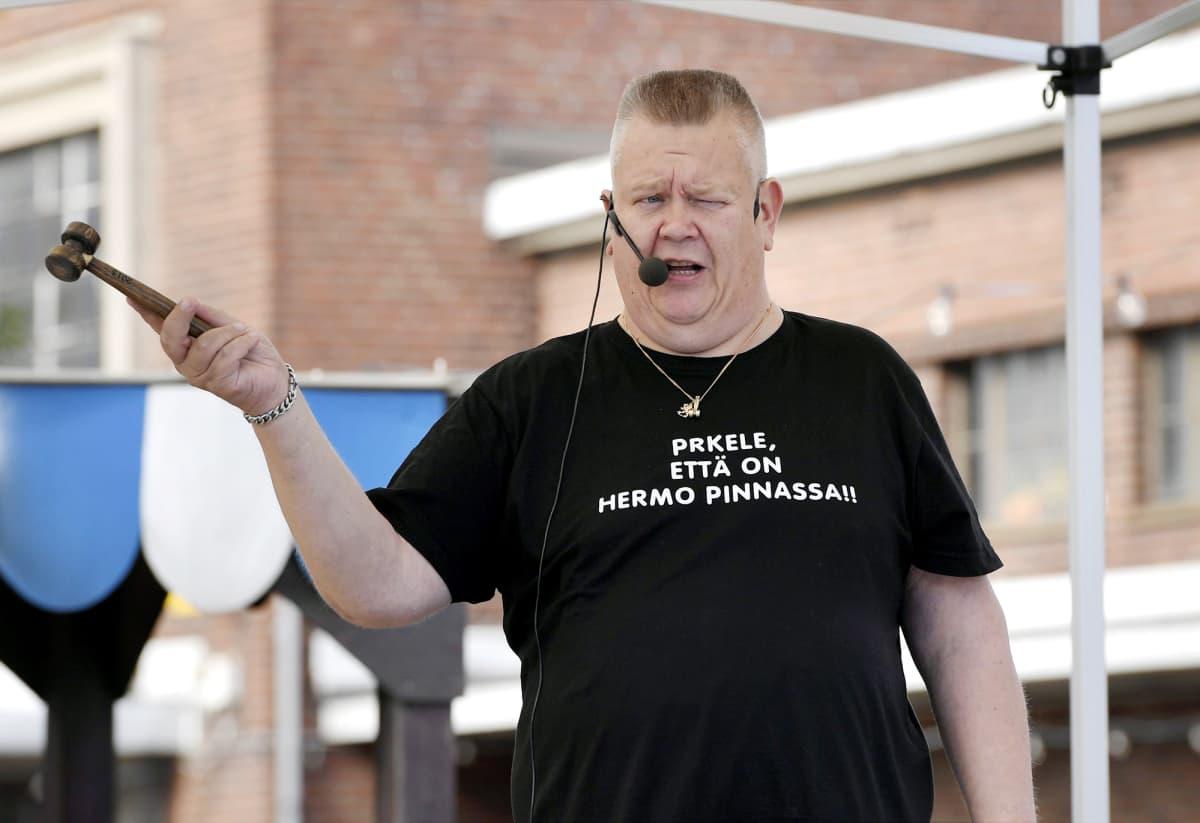 Aki Palsanmäki