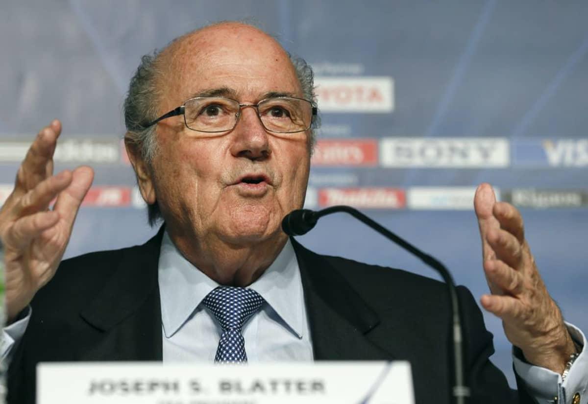 Sepp Blatter kuvassa