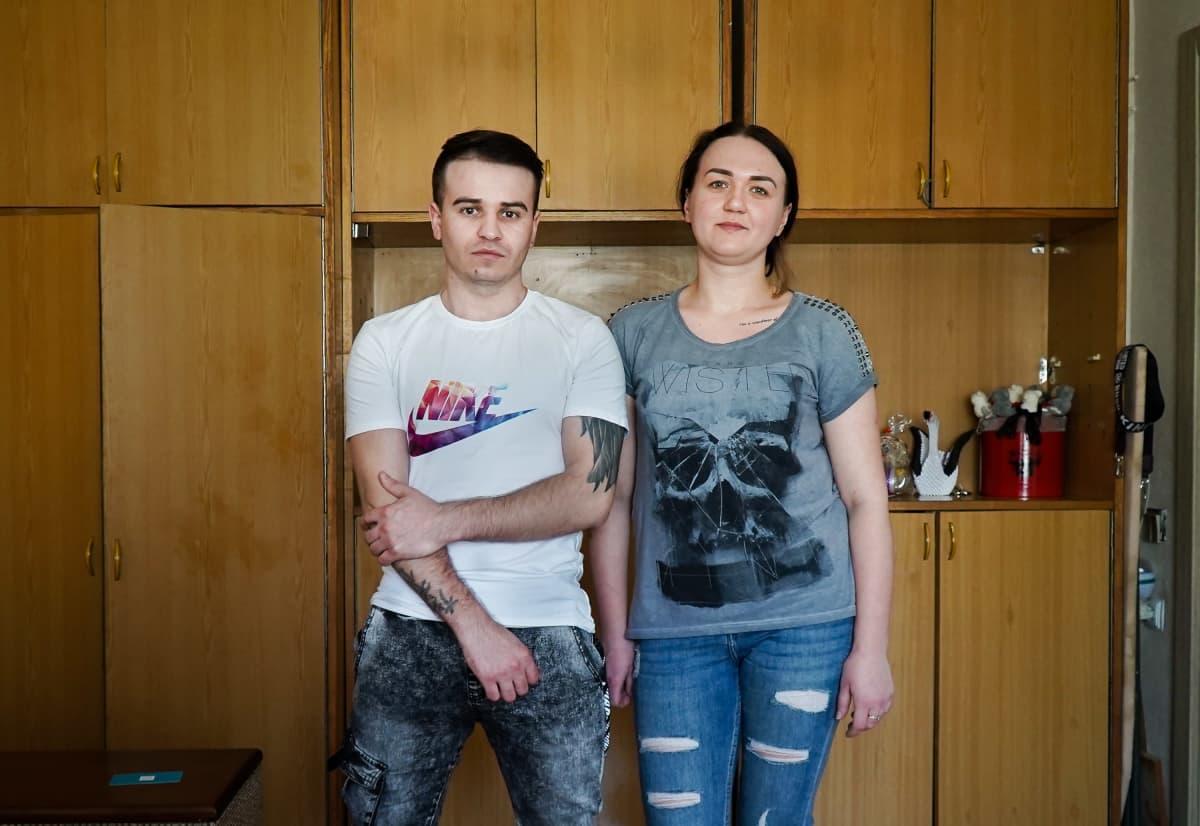 Alina ja Jevheni vuokraavat kaksion puolikasta Kiovassa.