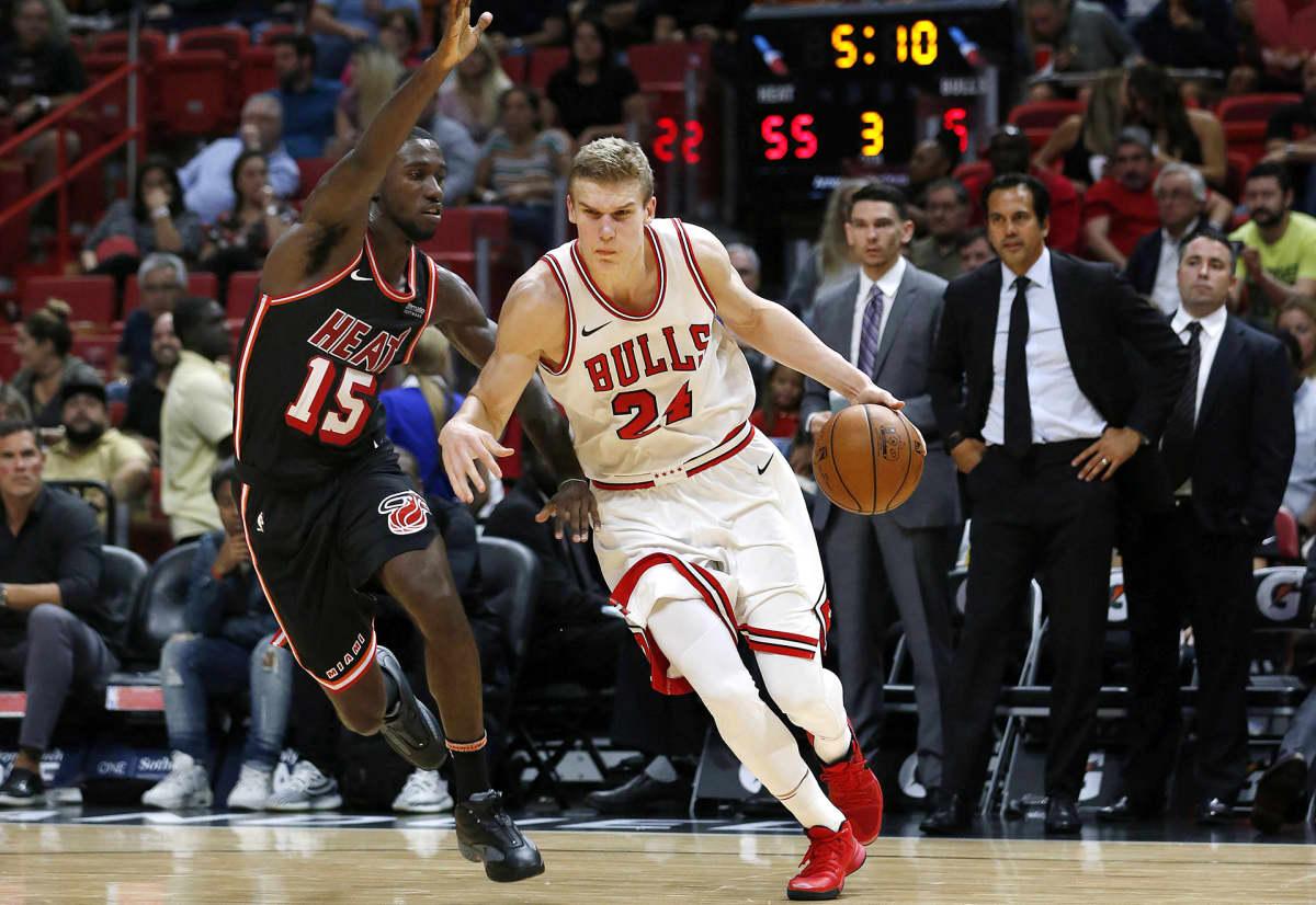 Chicago Bullsien Lauri Markkanen pelaamassa Floridassa 1. marraskuuta.