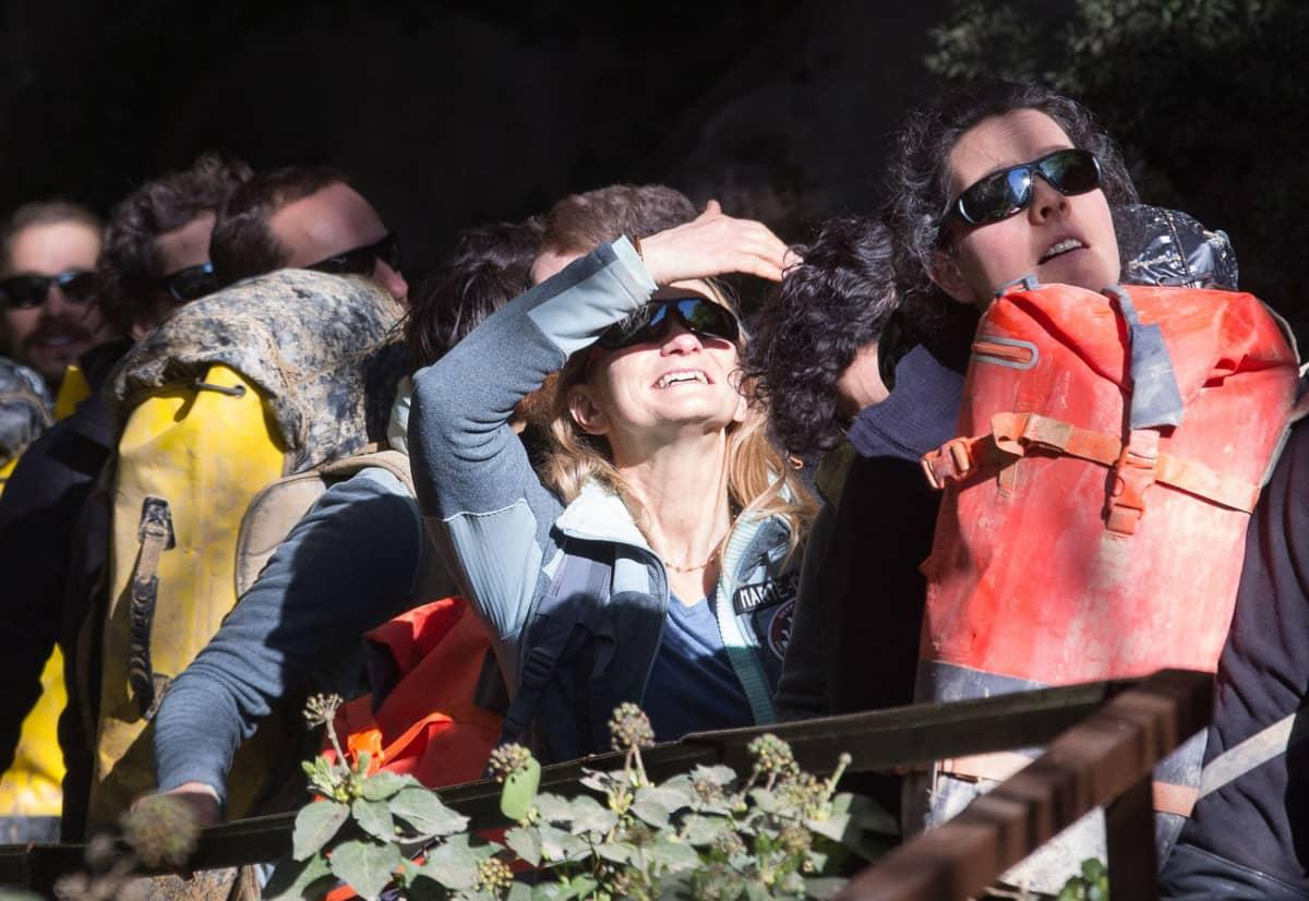 Ryhmä vapaaehtoisia jotka viettivät luolassa 40 vuorokautta.