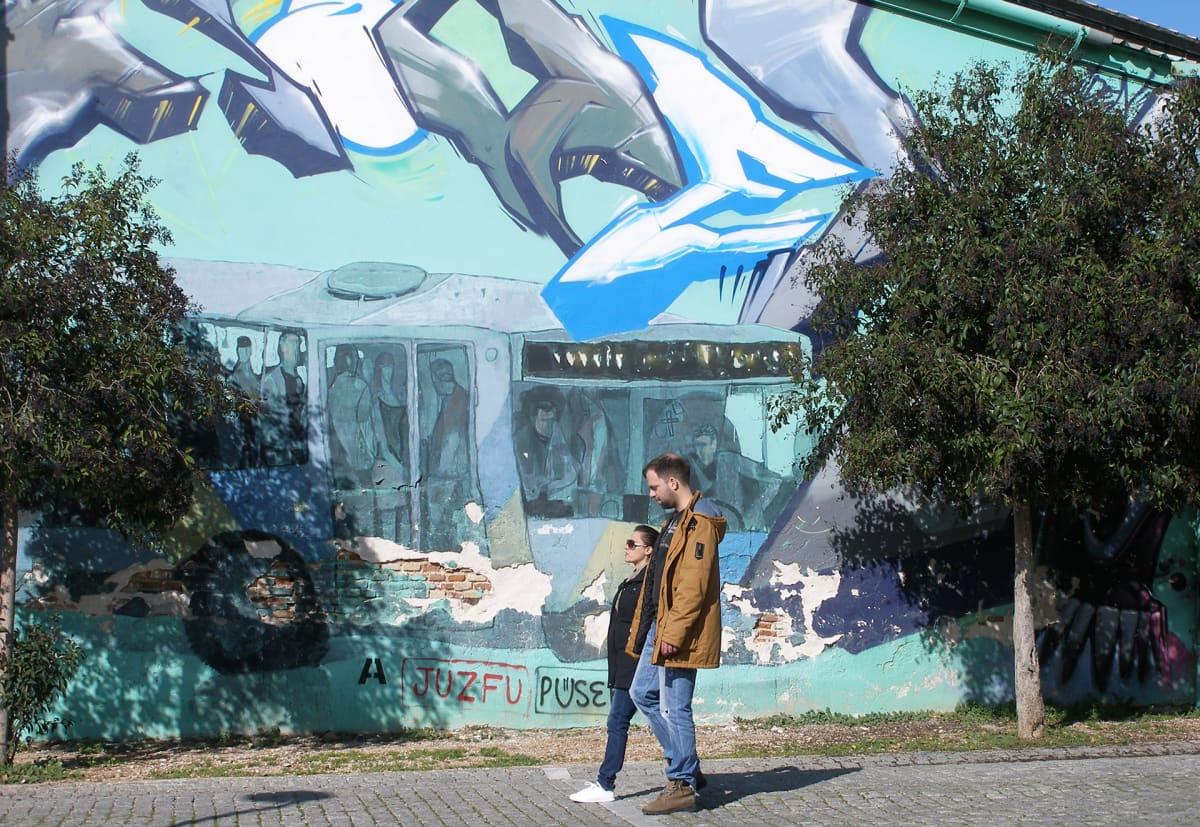 Thissio on Ateenan graffitilähiöitä.