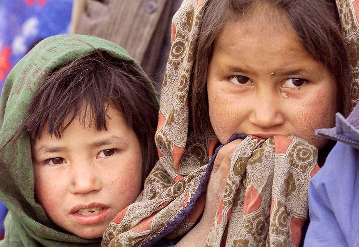 Naisten ja tyttöjen asema oli erittäin heikko, kun Taliban hallitsi Afganistania 1990-luvun lopussa.