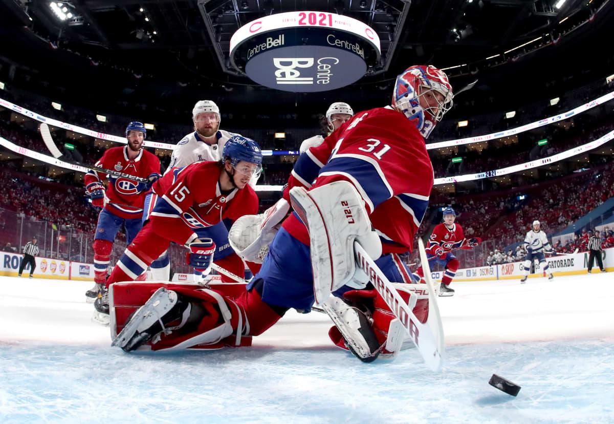 Tampa Bay tekee maalin Montreal Canadiensia vastaan.