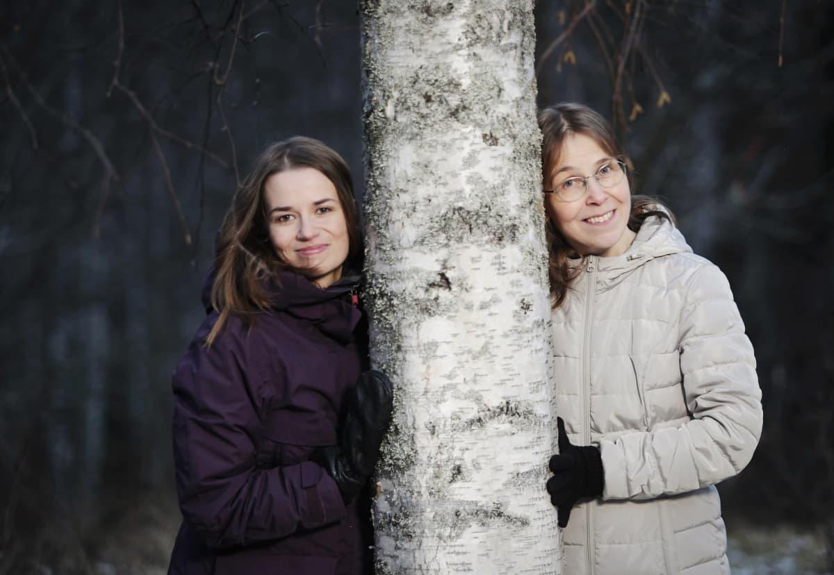 Dosentti Matilda Sorkkila ja professori Kaisa Aunola Jyväskylän yliopistosta.