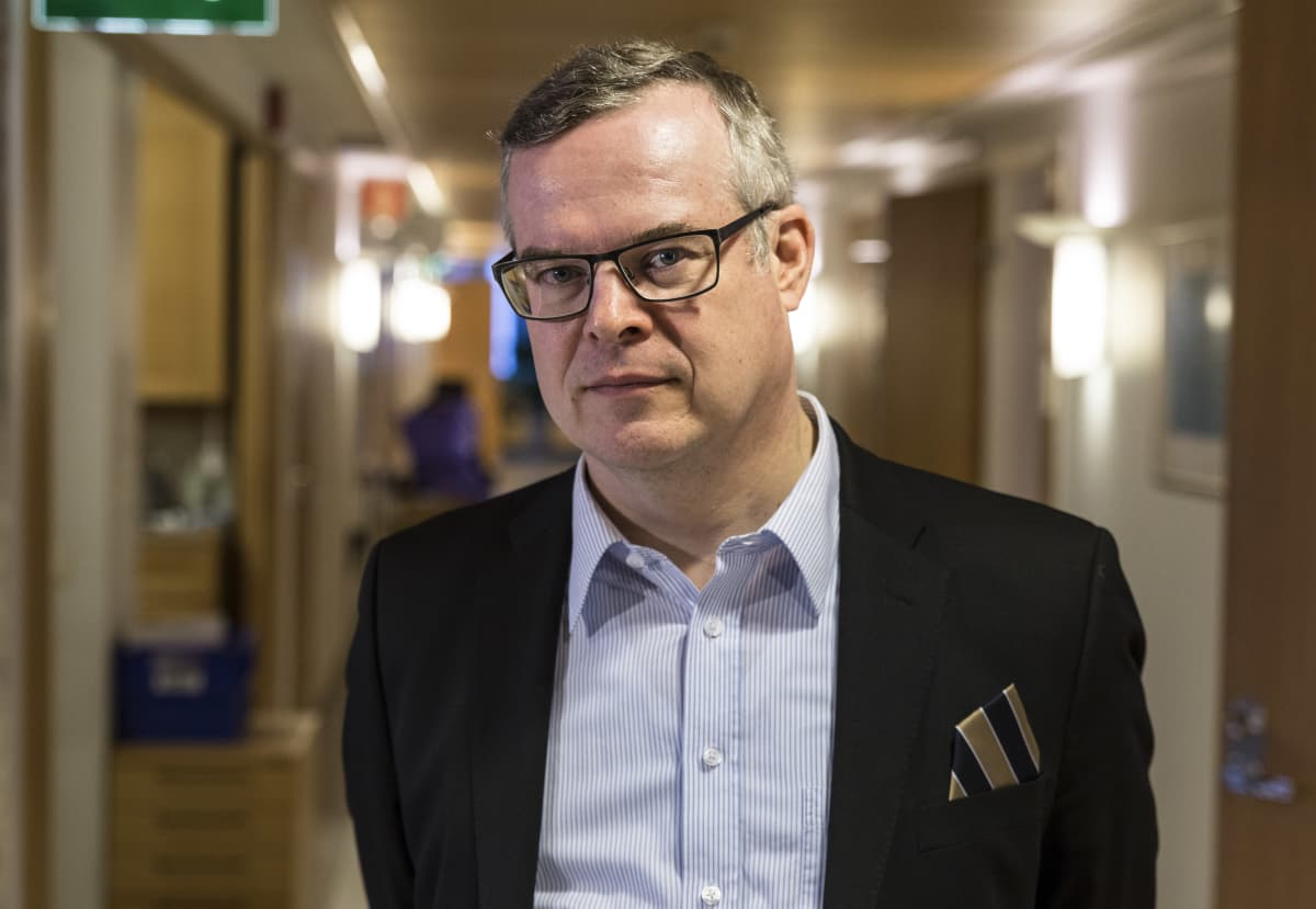 Lasse Lehtonen on Helsingin Yliopiston terveysoikeuden professori ja  HUSin ylilääkäri.