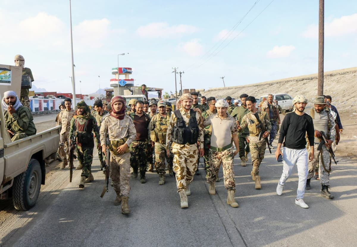 Etelän siirtymäneuvoston STC:n asemiehiä Adenissa 26.4.2020.