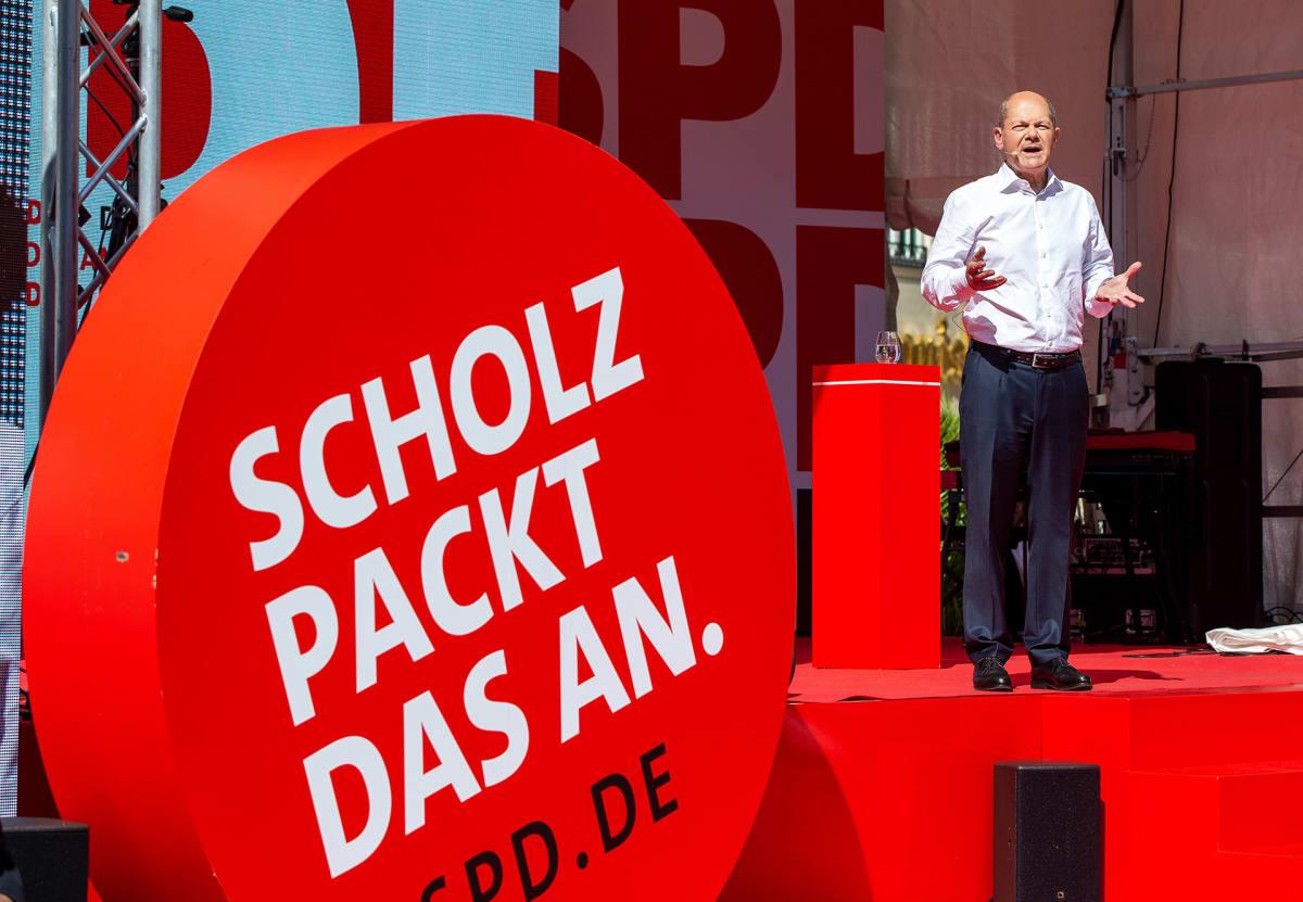 Olaf Scholz kampanjoimassa Münchenissä.