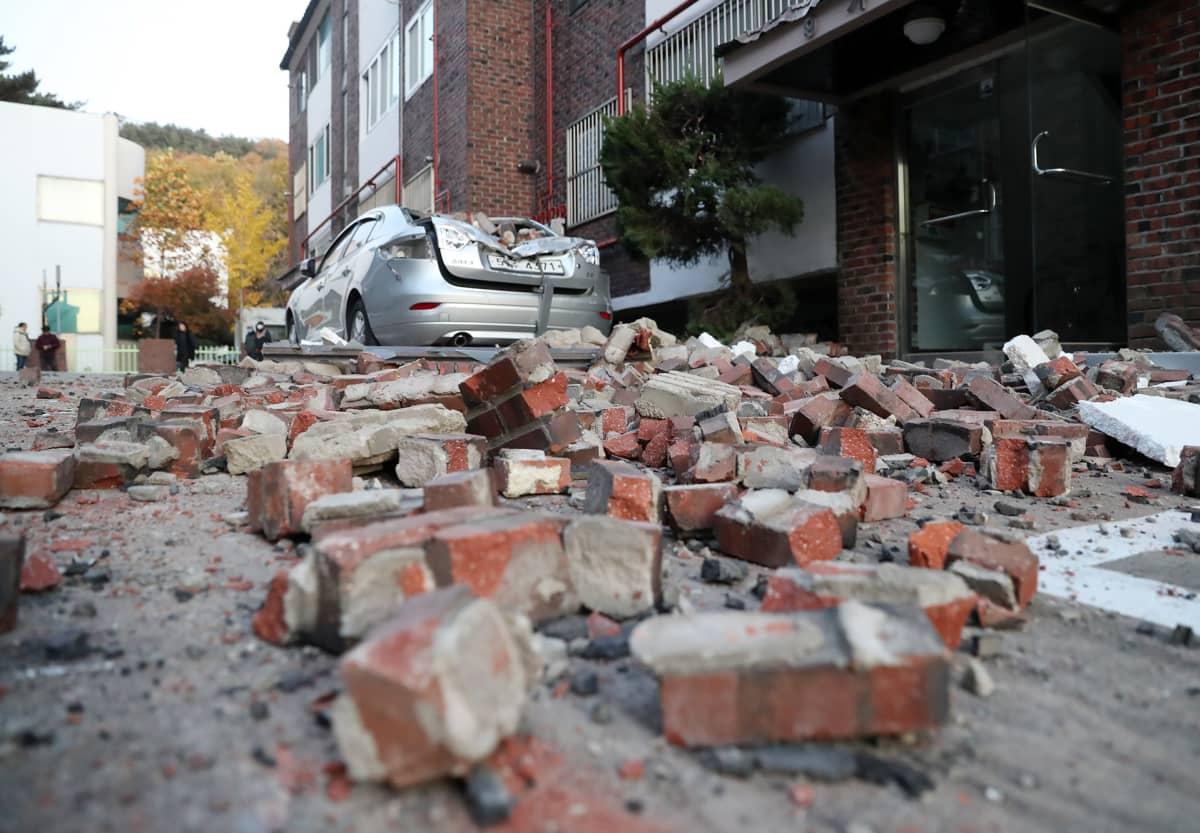 Maanjäristys.