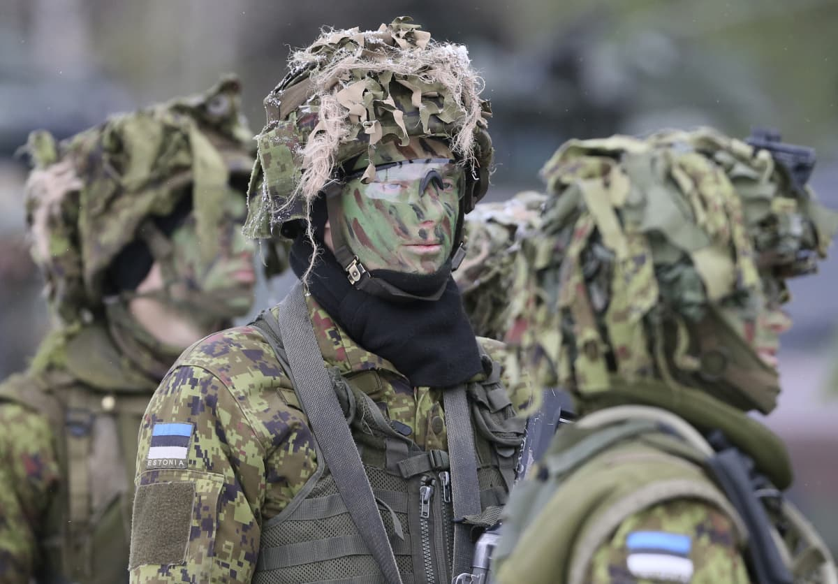 Virolaisia sotilaita Nato-harjoituksessa Liettuassa joulukuussa 2016.