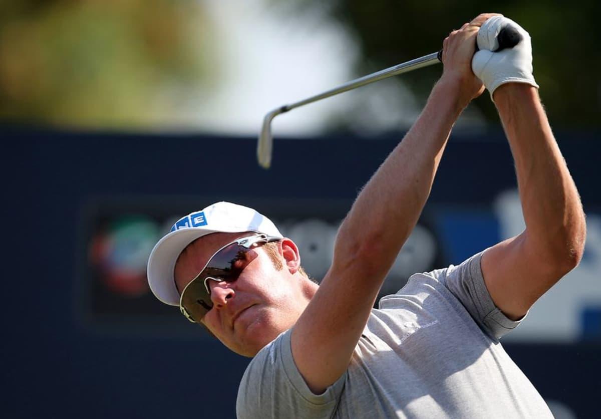 Golfari Mikko Ilonen lyöntitilanteessa.