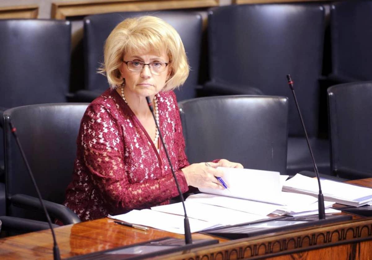 Sisäministeri Päivi Räsänen (kd) eduskunnassa Helsingissä tiistaina 4. kesäkuuta.