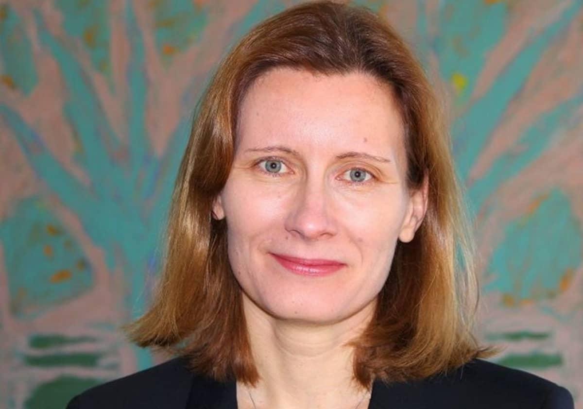 Heli Järnefelt suosittelee ryhmähoitoa unilääkkeiden tilalle.