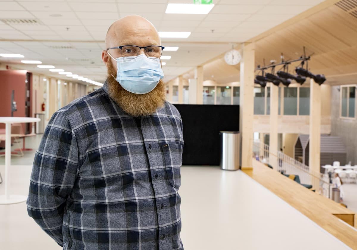 Mansikkalan koulukeskuksen apulaisrehtori Kimmo Liukkonen.