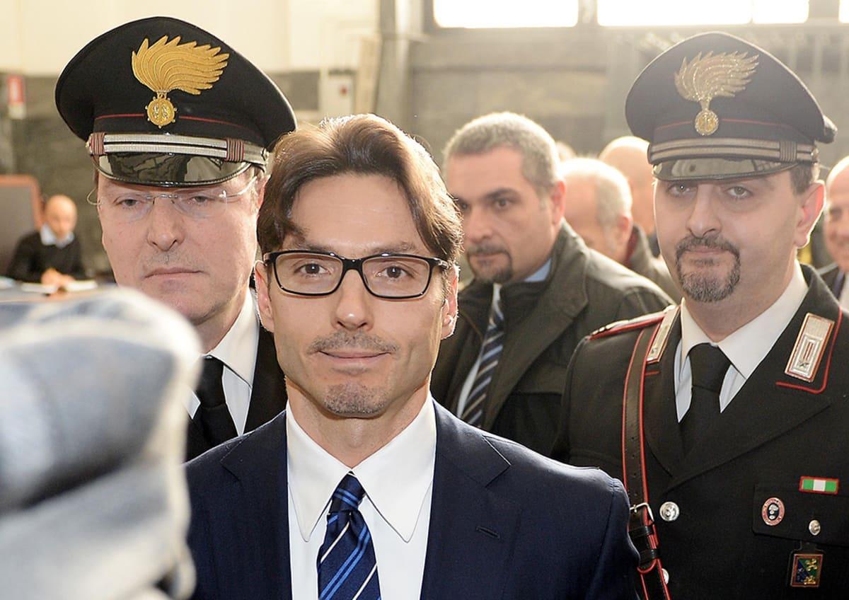 Pier Silvio Berlusconi oikeusistunnon jälkeen 6. helmikuuta 2014.