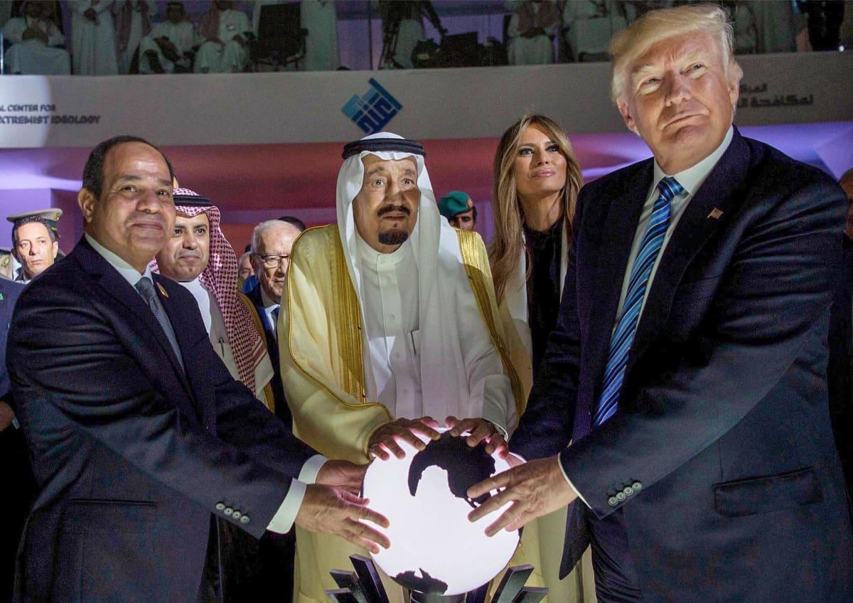 Trump, vaimo ja valtion päämiehiä avajaisissa