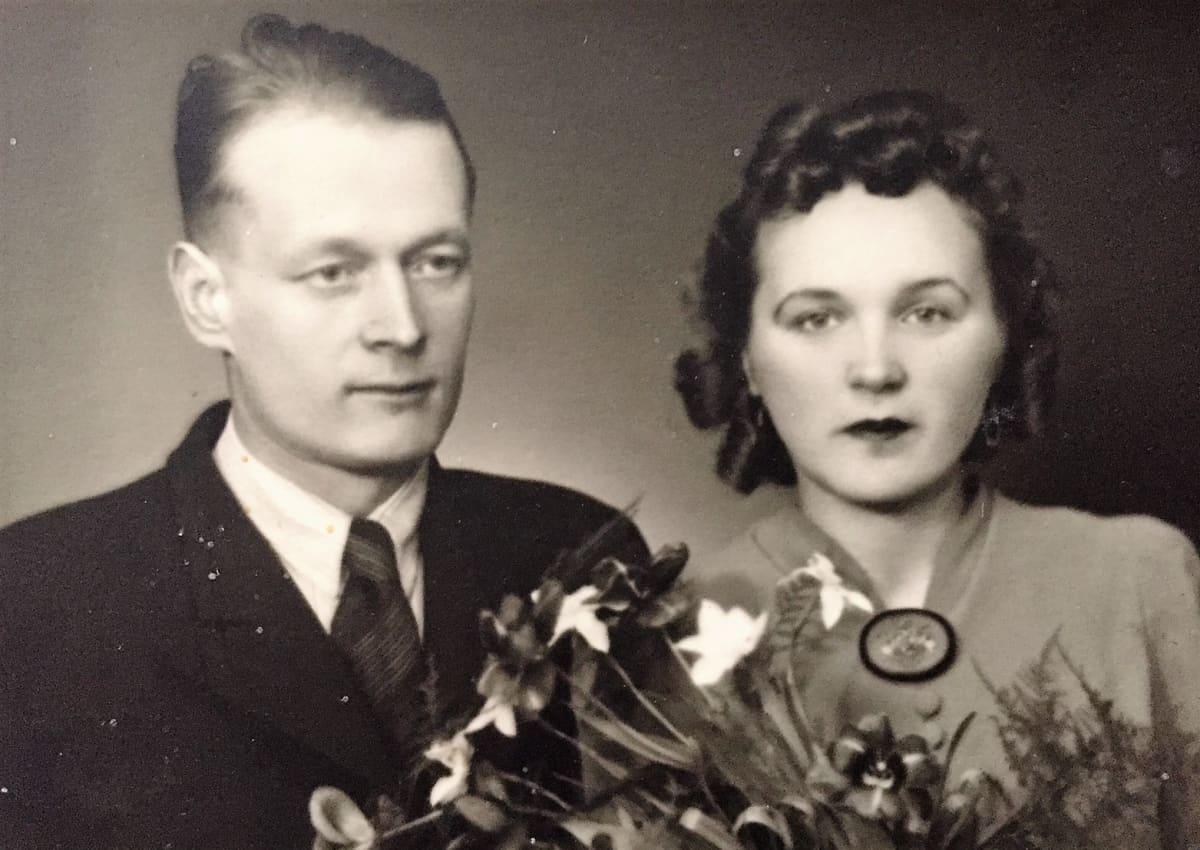 Reino ja Salma Nyrösen hääkuva