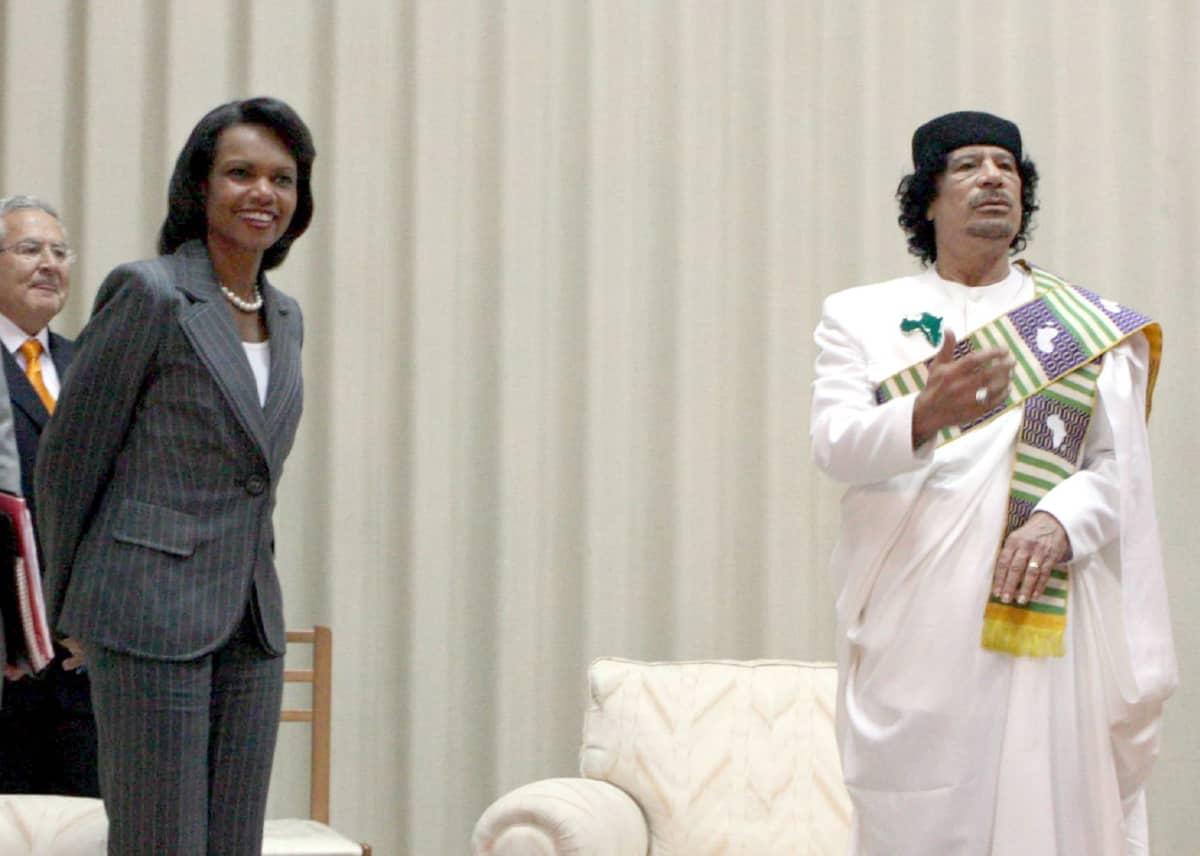 Libyan johtaja Muammar Gaddafi ja Yhdysvaltain ulkoministeri Condoleezza Rice tapasivat Tripolissa 5. syykuuta 2008.