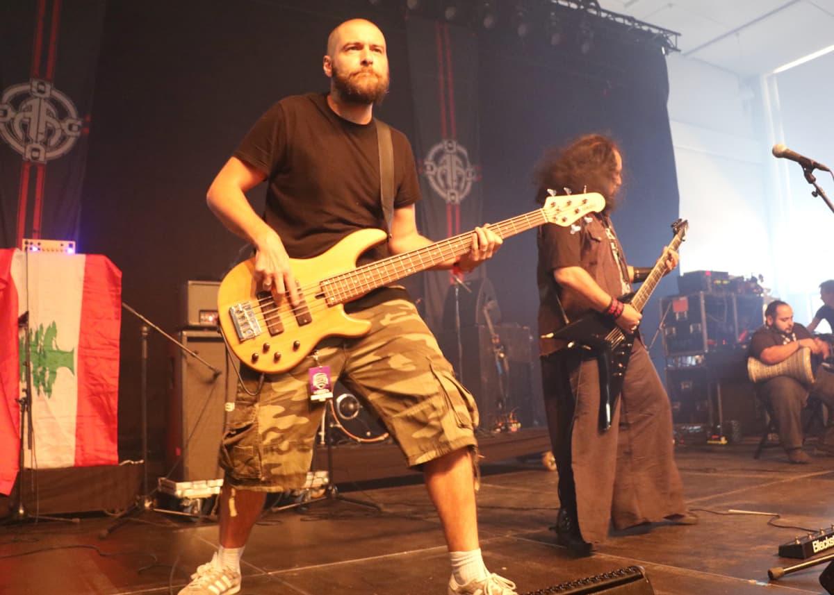 Libanonilaisen Blaakyumin basisti Pierre Le Port Tuska-festivaaleilla Helsingissä 1.7.2016.