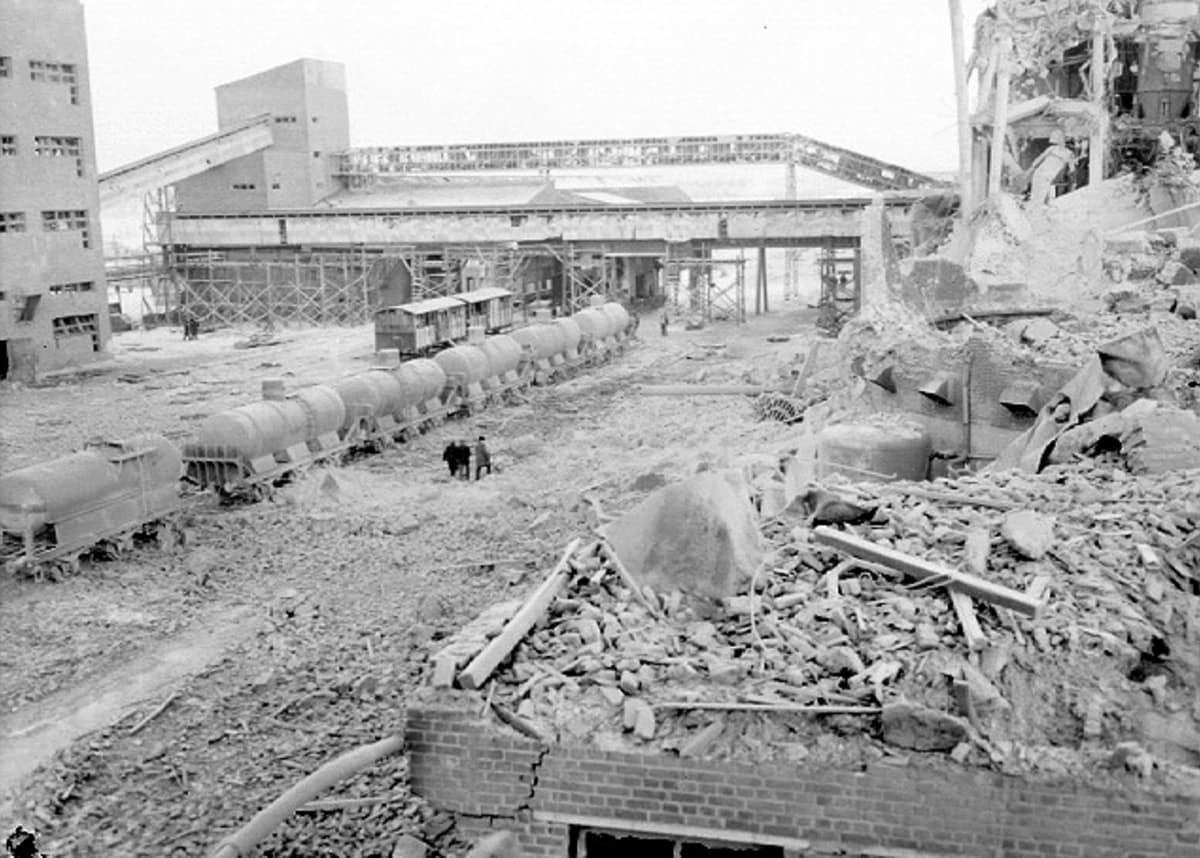 Räjähdys aiheutti tehtaalle 20 miljoonan markan vahingot.