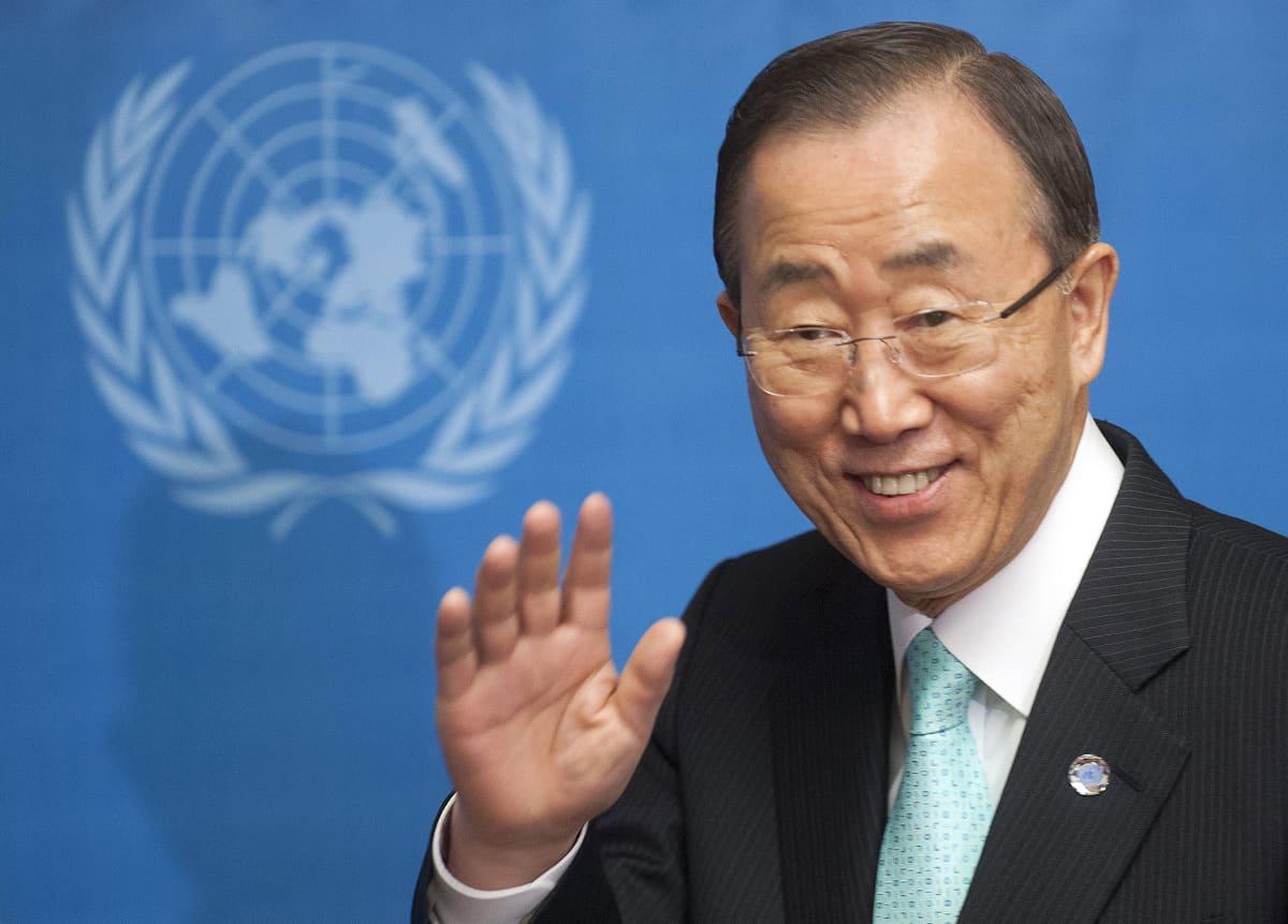 Ban Ki-Moon Syyrian tilannetta koskevissa neuvotteluissa Euroopan YK:n päämajassa Genevessä 12. huhtikuuta 2012.