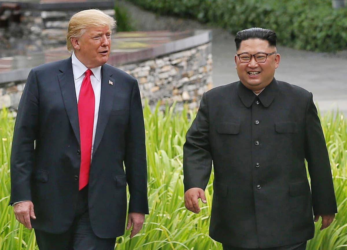 Donald Trump ja Kim Jong-un Sentosan saarella Singaporessa.