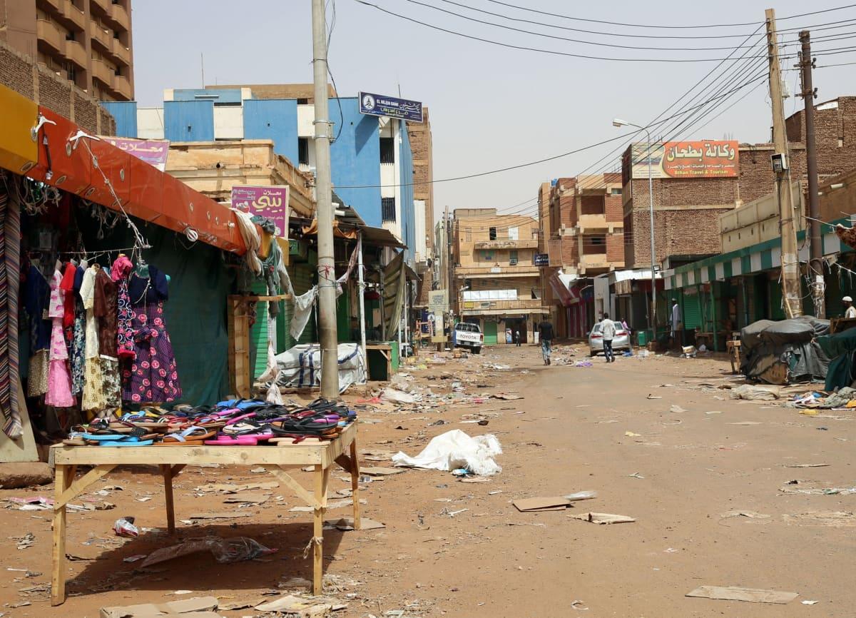 Mielenosoituslakko tyhjensi kadut Sudanissa.